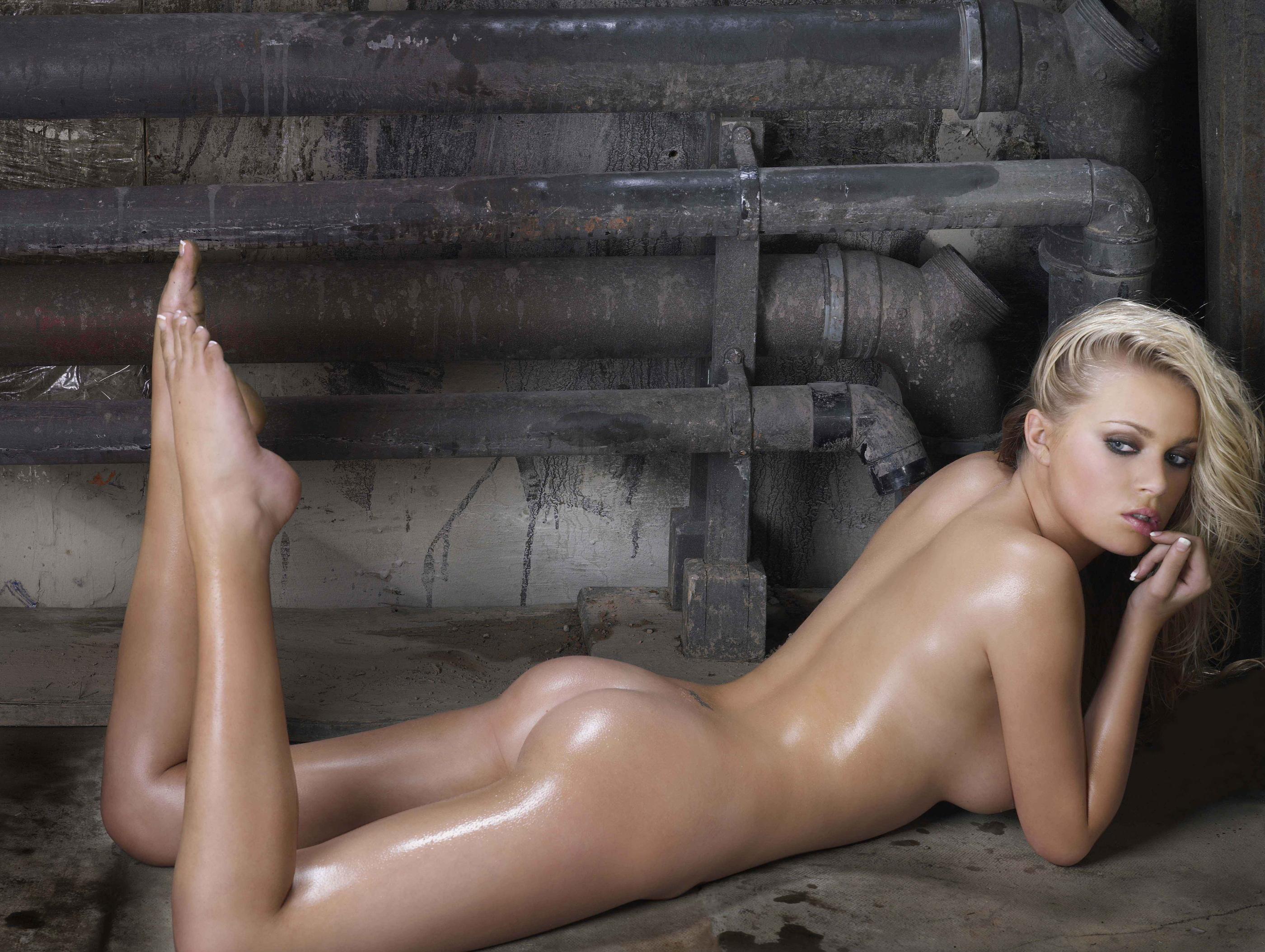 Фото красивых девушек блондинок взади